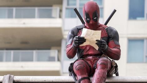Deadpool-Reading-Screenshot-Movie-2016-Wallpaper